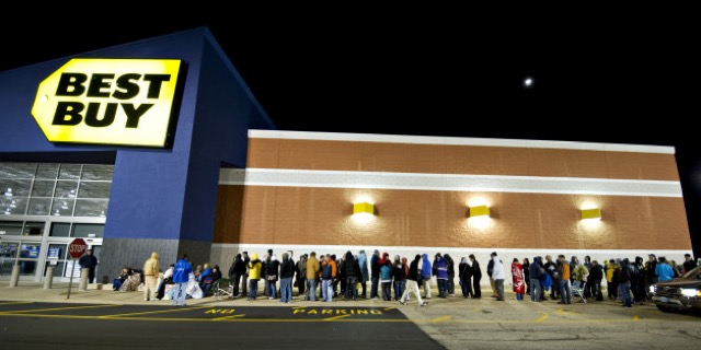 Line outside Best Buy on Black Friday.