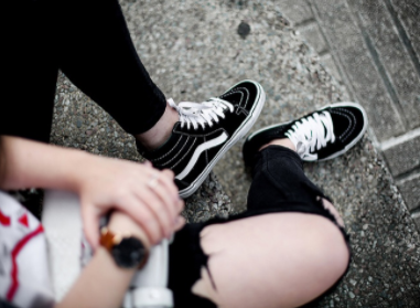 "This picture (taken by Iria Lata Rey) shows Vans ""Old Skool"" shoe worn in a street style fashion."