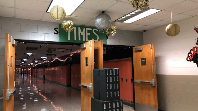 The Senior Hallway was during the Homecoming Week a New Yorker Subway.